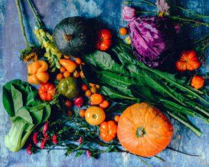 Ein Tisch leuchtender Farben - Gemüse ist so schön!